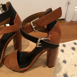 Zara strappy buckle sandal heel size 6